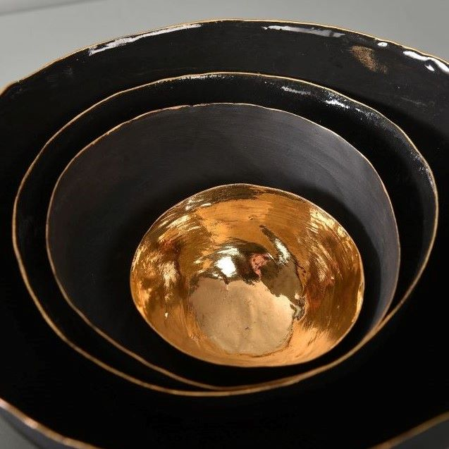 schwarzes Porzellan